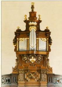 Longueville organ_crop