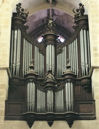 Souvigny organ Cliquote 1783.jpg
